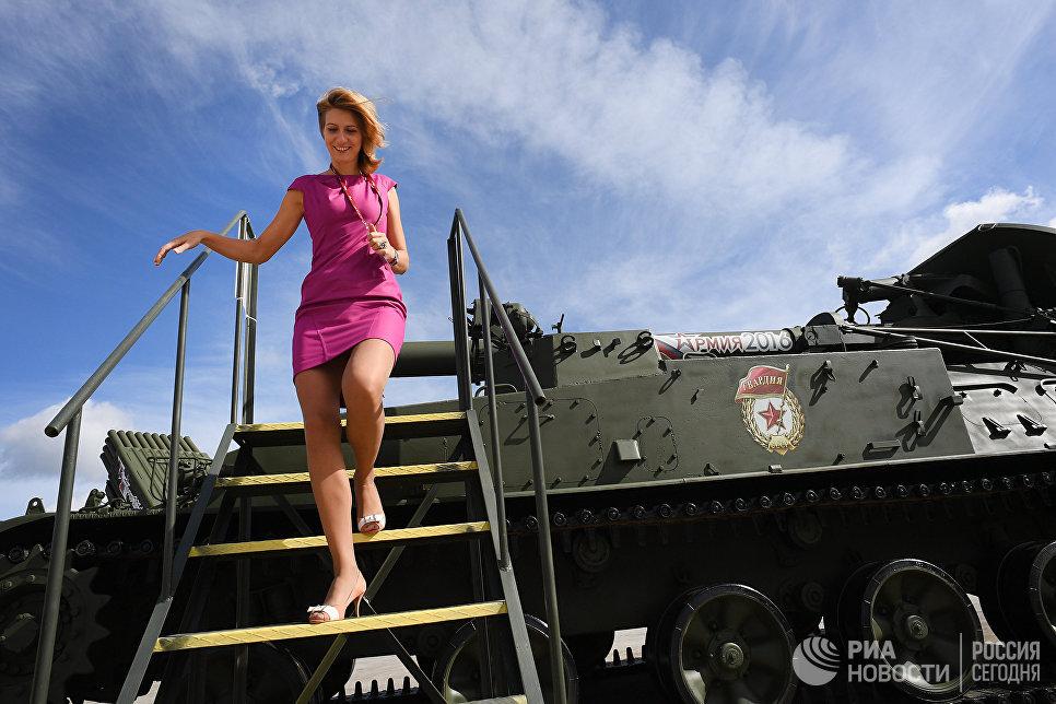 240-мм самоходный миномет 2С4 Тюльпан представлен в открытой экспозиции на Международном военно-техническом форуме АРМИЯ-2016