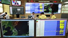 Карты с отмеченными сейсмическими волнами в Северной Корее. Архивное фото