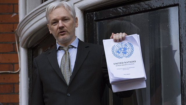 Основоположника WikiLeaks Джулиана Ассанжа, обвиняемого визнасиловании, допросят 17октября