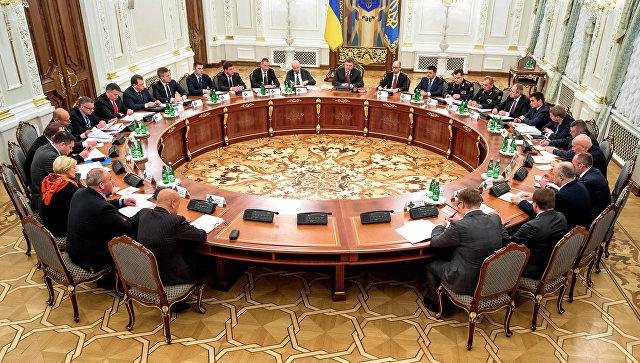 СНБО Украины рассмотрит закон по Донбассу после визита Порошенко в США