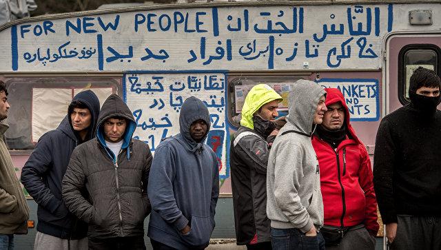 Лагерь для беженцев в Кале, Франция. 6 февраля 2016. Архивное фото
