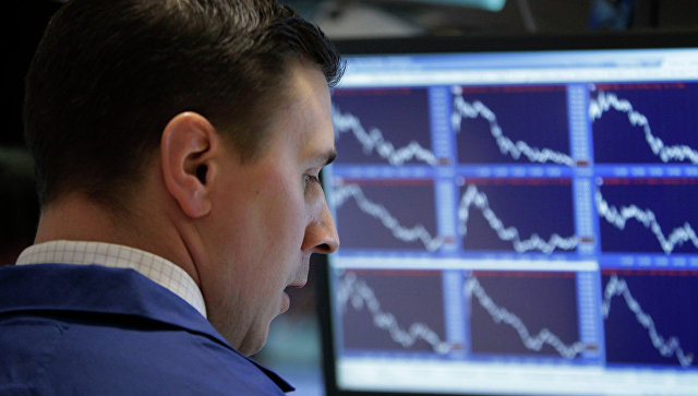 Специалист Нью-Йоркской фондовой биржи. Архивное фото