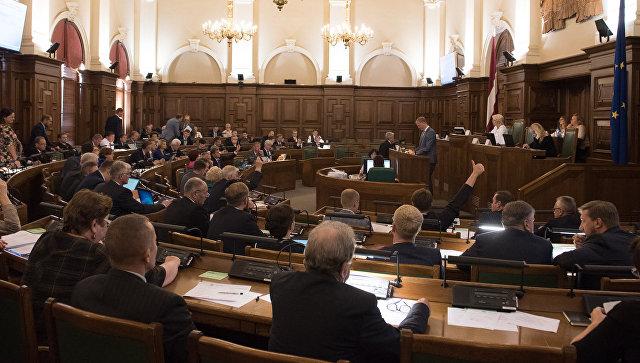 Сейм Латвии отклонил инициативу о сохранении образования на двух языках