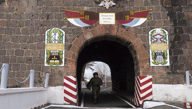 Плановая замена военнослужащих-призывников началась на российской военной базе в Армении