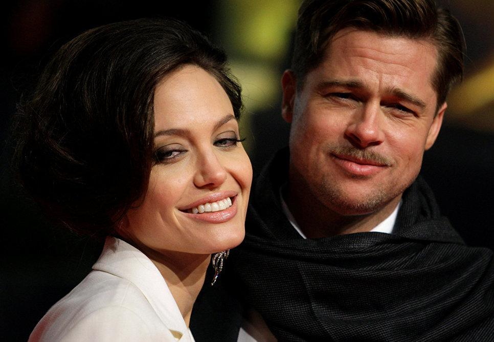 Розлучення Джолі і Пітта зупинено - причини