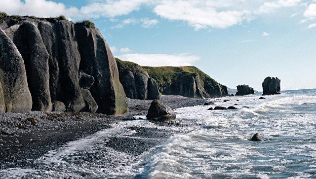 Побережье Охотского моря на Камчатке. Архивное фото