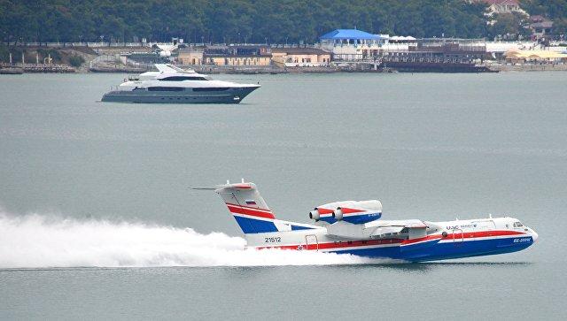 Самолёт-амфибия (летающая лодка) Бе-200. Архивное фото
