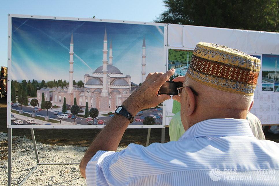 Начало строительства соборной мечети в Крыму