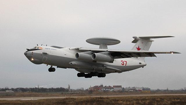 Модернизированный самолет дальнего радиолокационного обнаружения А-50У. Архивное фото