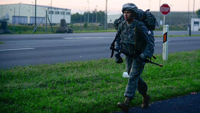 Американский военнослужащий на военной базе. Архивное фото