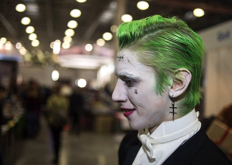 Посол США поведал олюбимом герое комиксов наComic Con Russia