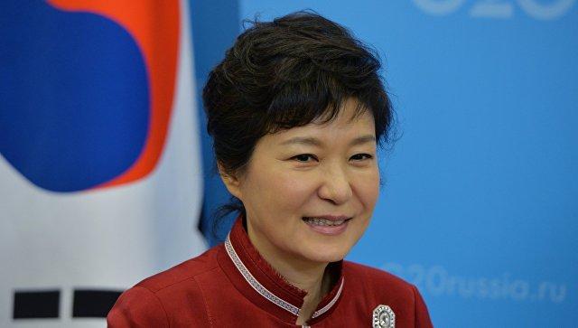 Суд Южной Кореи приговорил экс-президента Пак Кын Хе к 8 годам заключения