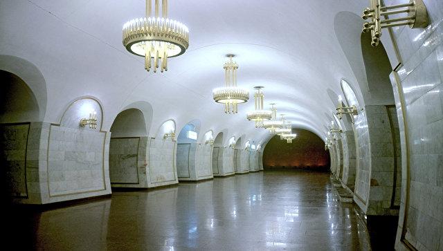 Неизвестный проинформировал о минировании всех станций метро вКиеве