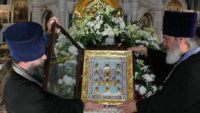 Икона Божией Матери «Знамение» оставляет Курск