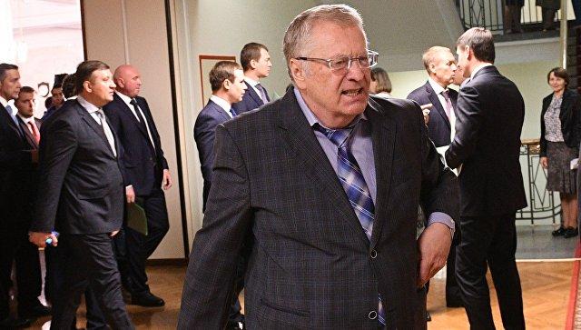 Жириновский предлагает шифровать данные одоходах депутатов