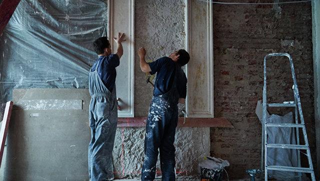Рабочие во время реставрации. Архивное фото
