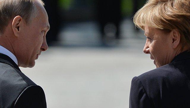 Церемония возложения цветов к Могиле Неизвестного солдата президентом РФ В.Путиным и канцлером Германии А.Меркель. Архивное фото