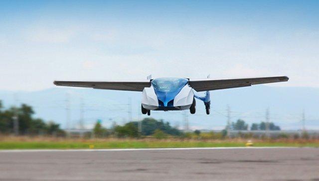 Летающий автомобиль. Архивное фото