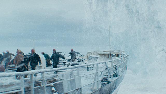 Кадр из фильма Ледокол