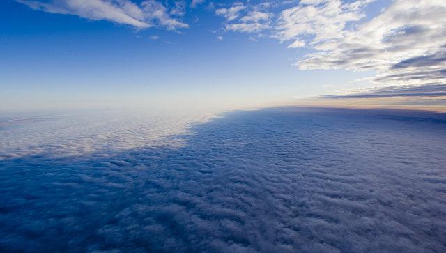 Облака над землей. Архив
