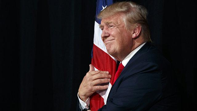 Кандидат в президенты США Дональд Трамп во время предвыборной кампании в городе Тампа штата Флорида. 24 октября 2016 года