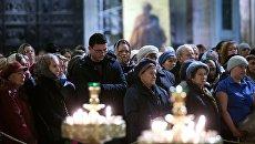 Поминальная служба по жертвам авиакатастрофы А321 в Санкт-Петербурге. Архивное фото