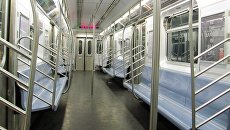 Вагон метро в Нью-Йоркской подземке