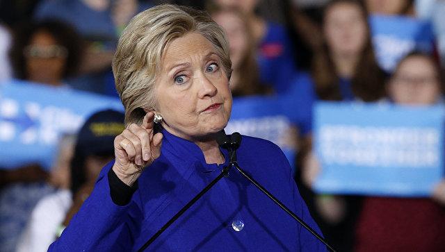 ФБР встряхнуло президентскую гонку в США, отказавшись преследовать Клинтон