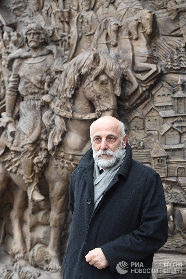 Скульптор Салават Щербаков, автор памятника святому равноапостольному князю Владимиру