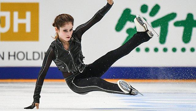 Юлия Липницкая остановилась впроцессе выступления из-за травмы ноги
