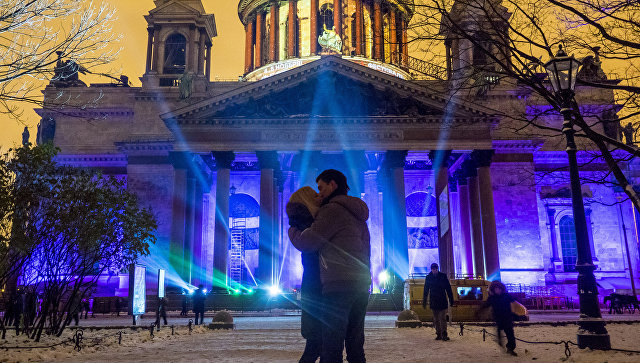 В Петербурге осенний фестиваль света посвятят космосу и будущему