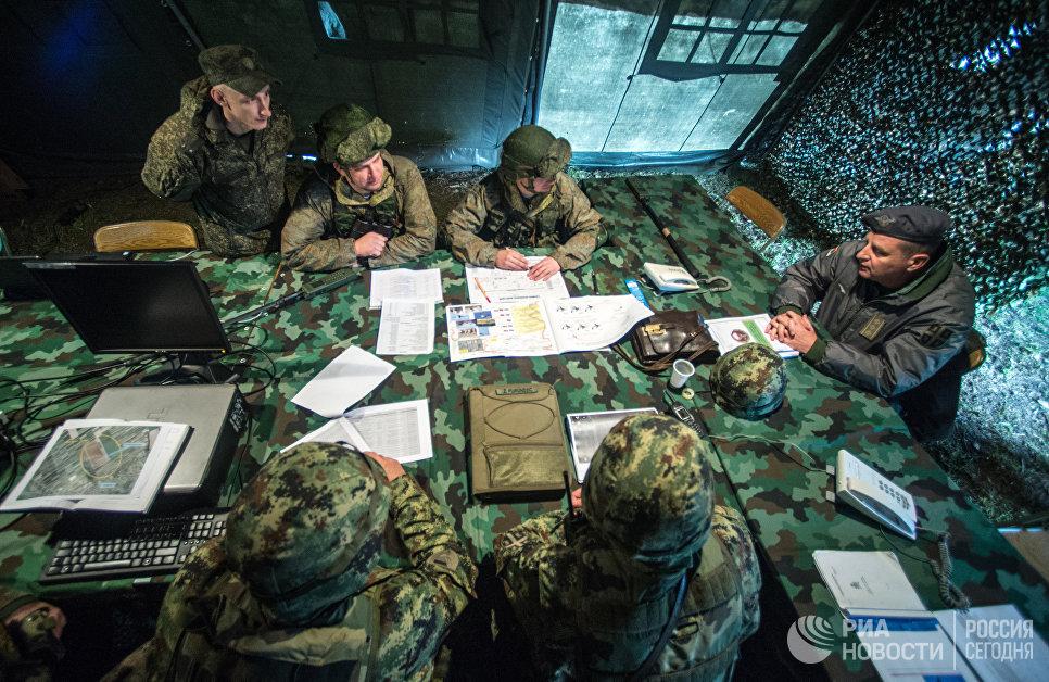 Военнослужащие во время совместных учений ВДВ России, Белоруссии и Сербии Славянское братство-2016 в Сербии
