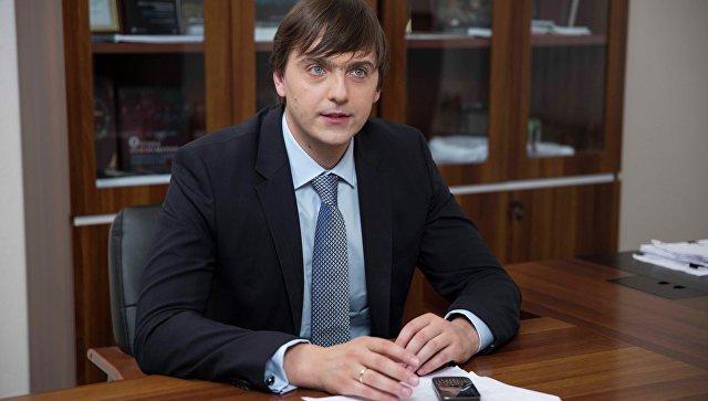 Руководитель Рособрнадзора Сергей Кравцов