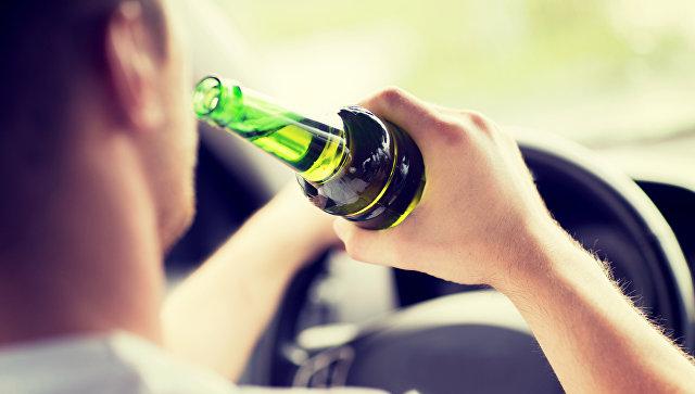 Пьяный водитель. Архивное фото