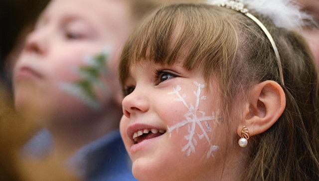 Губернатор Подмосковья пригласил напраздничную елку 6 тыс. детей