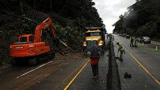 Последствия тропического шторма. Архивное фото