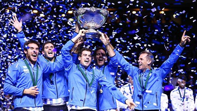 Теннисисты сборной Аргентины радуются победе в Кубке Дэвиса. 27 ноября 2016