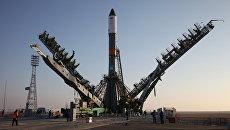 Подготовка ТГК Прогресс МС-04 и ракеты-носителя Союз-У к пуску. Архивное фото