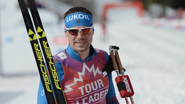 Сергей Устюгов после финиша в гонке преследования на этапе Кубка мира по лыжным гонкам в Канаде, 12 марта 2016