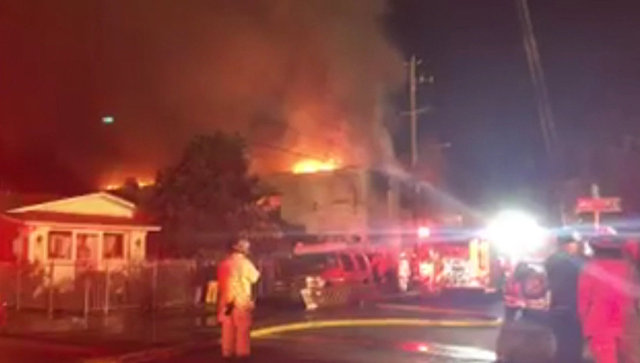 Крупный пожар в ночном клубе Окленда. Кадры с места происшествия
