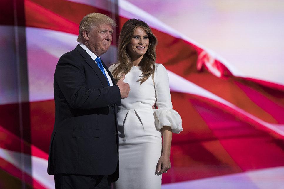 Избранный президент США Дональд Трамп с супругой Меланьей