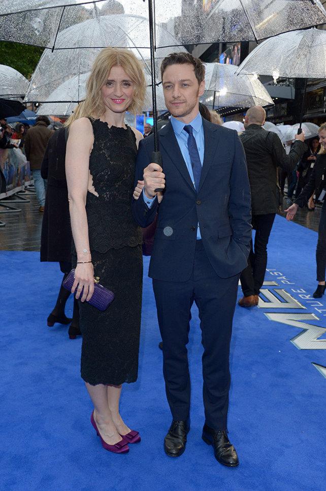 Британский актер Джеймс МакЭвой и ирландская актриса Энн-Мэри Дафф в Лондоне. Май 2014 года