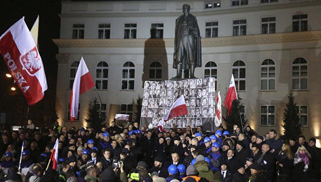 СМИ Польши предупредили осиловом захвате власти