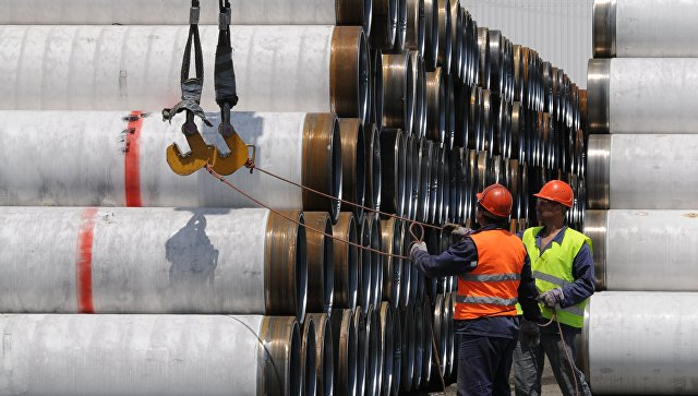 Трубы для морского газопровода Южный поток складируются в портах Бургас и Варна, Болгария. Архивное фото