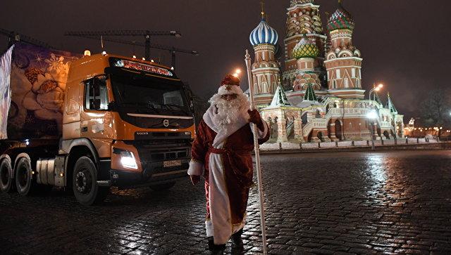 Главный дедушка Мороз Российской Федерации раздал неменее 2 млн подарков в40 городах