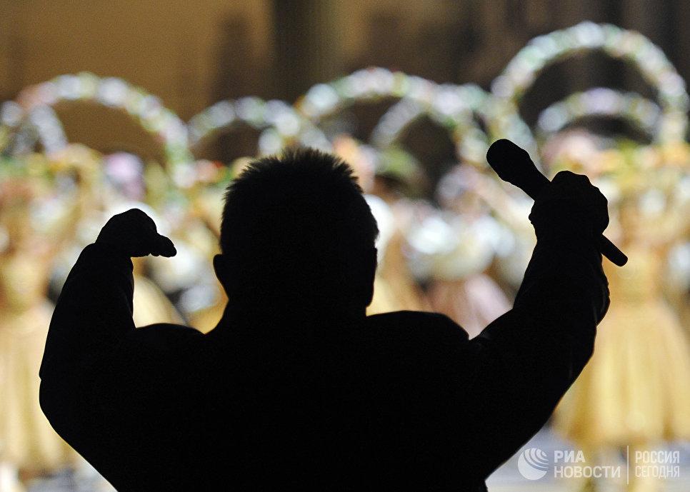 Балетмейстер Юрий Григорович на репетиции балета Петра Чайковского Спящая красавица
