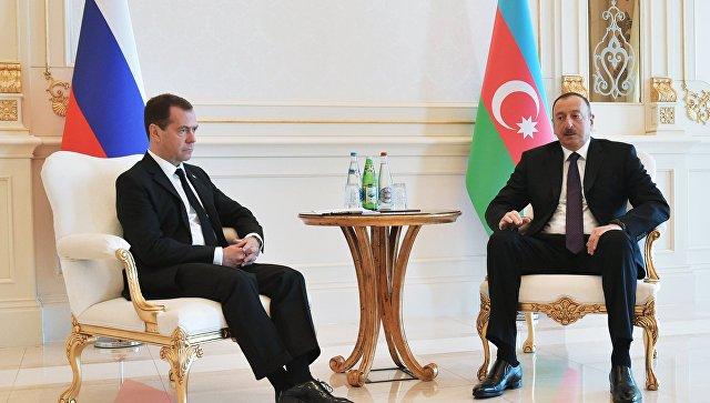 Путин иМедведев позвонили Ильхаму Алиеву