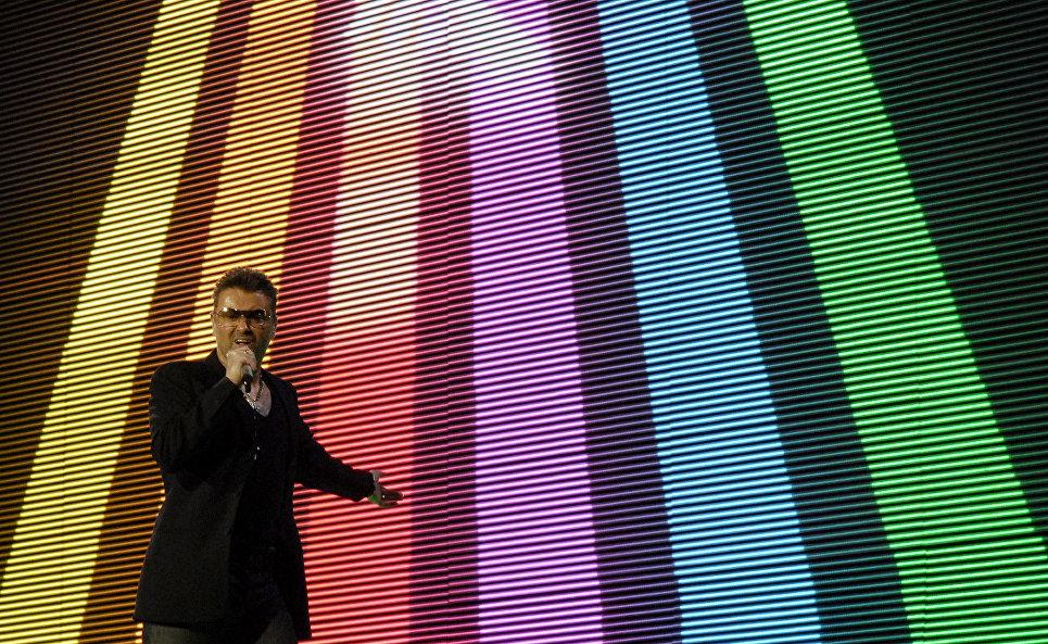 Британский певец Джордж Майкл во время концерта в Братиславе. 2007 год