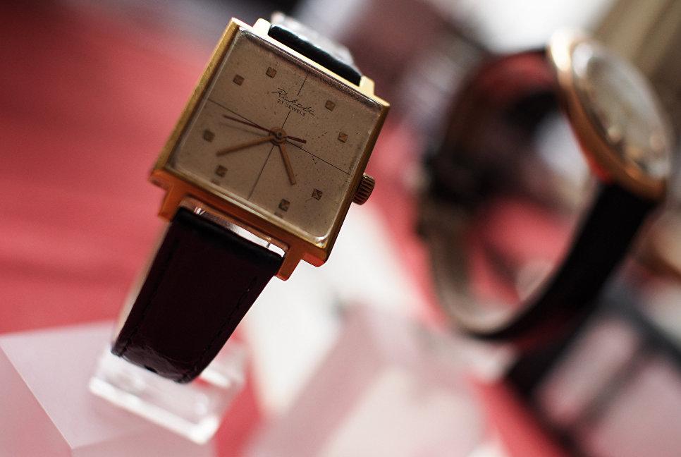 Часы марки Ракета, которые носил актер Андрей Миронов, в музее студии дизайна завода Ракета.