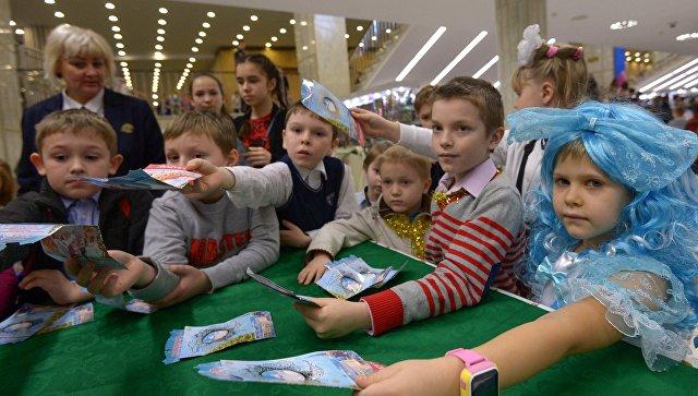 Владимир Путин пообещал проехаться намашине поКрымскому мосту